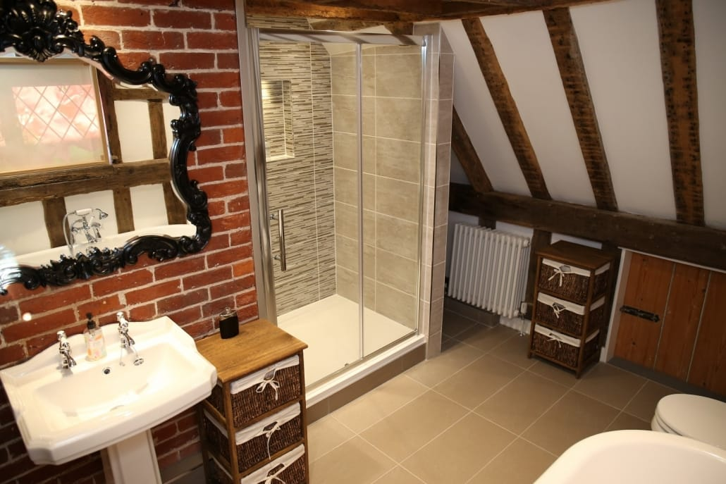 North Lodge - Master Ensuite